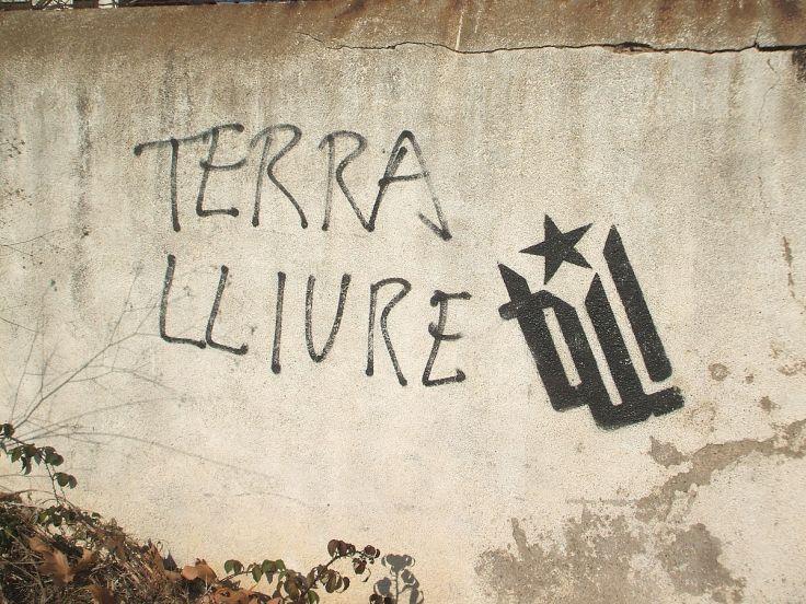1200px-Pintada_Terra_Lliure